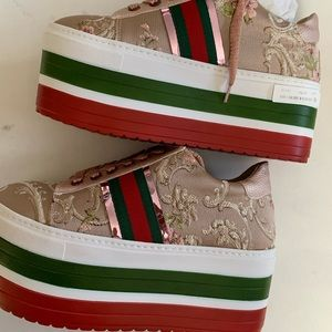 Platform sneakers size 9 cool  embroidered wedges
